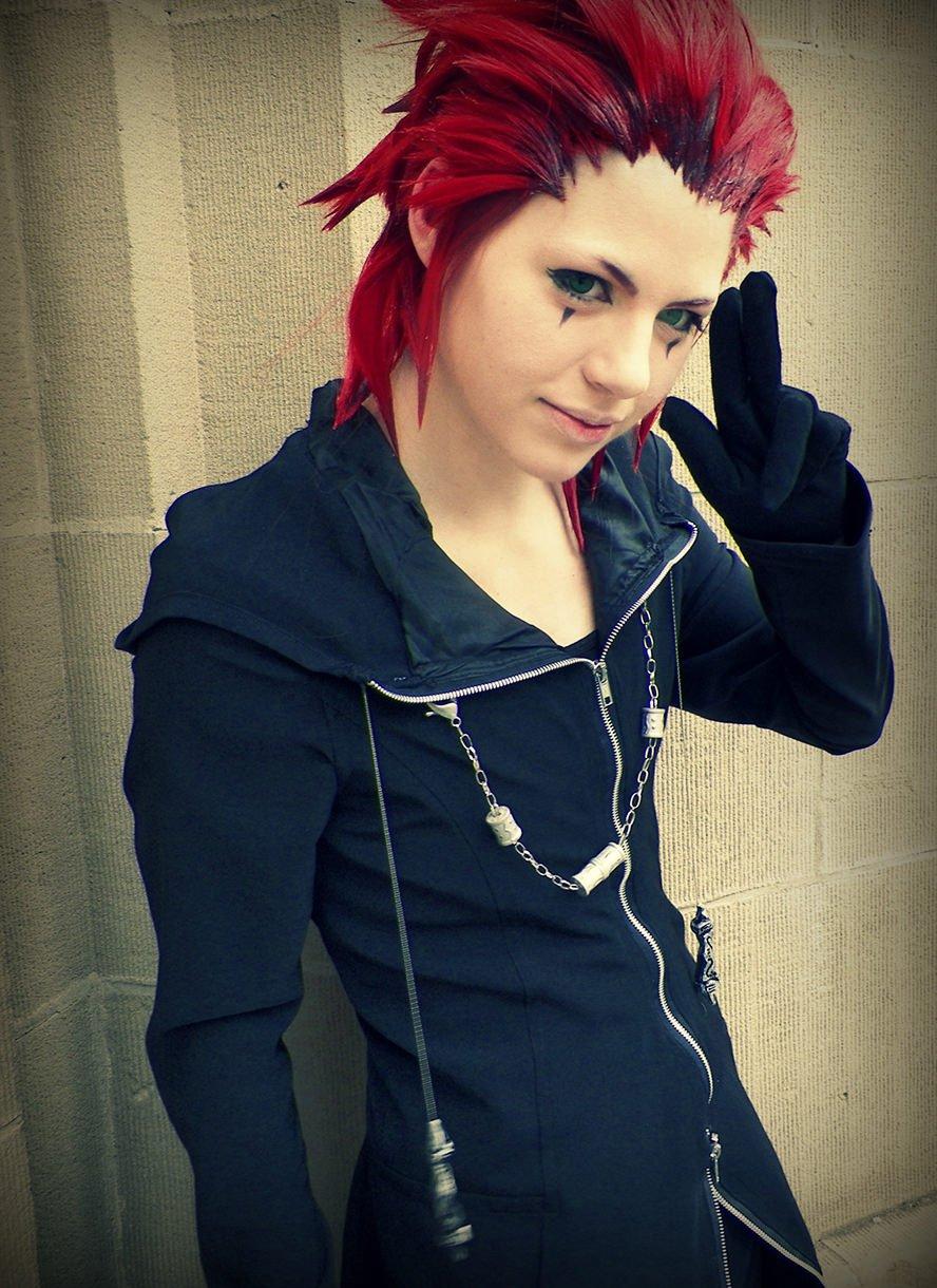 axel-kingdom-hearts-2-cosplay-wig-1
