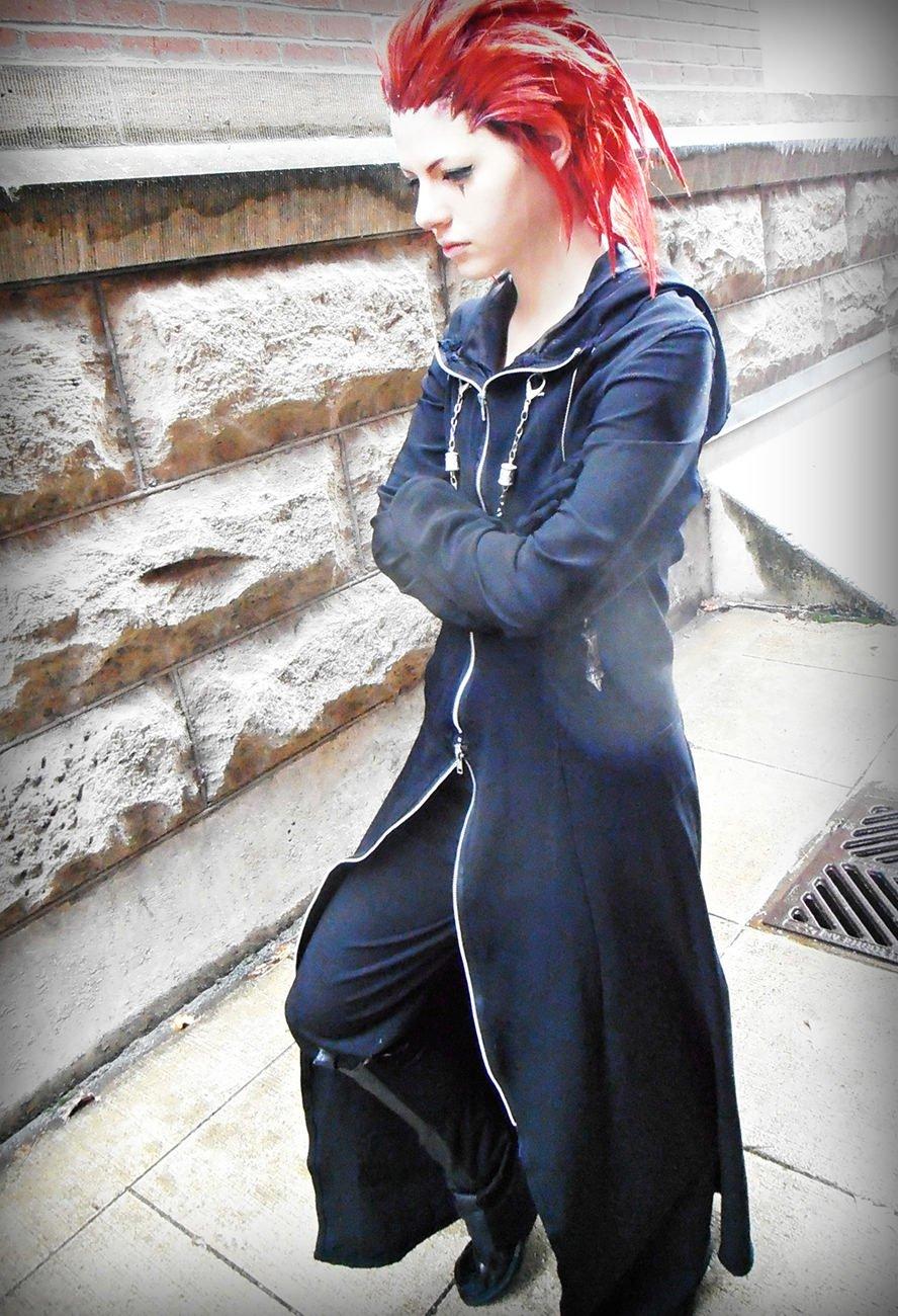 axel-kingdom-hearts-2-cosplay-wig-4
