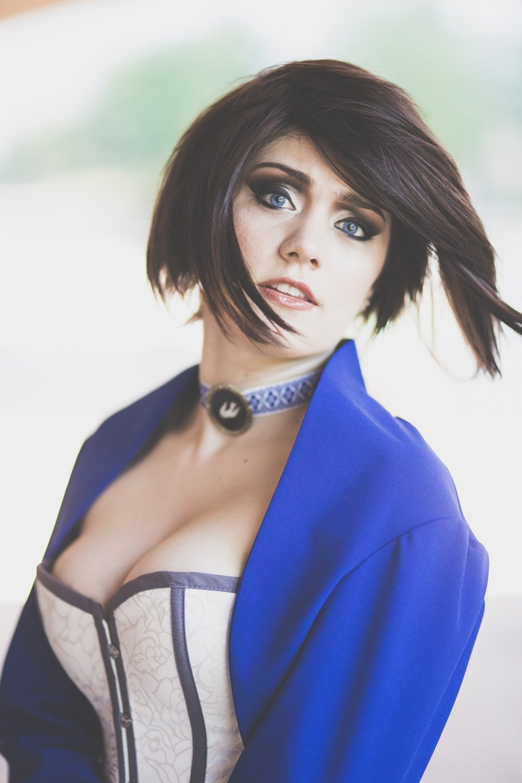 elizabeth-comstock-bioshock-infinite-cosplay-wig-4