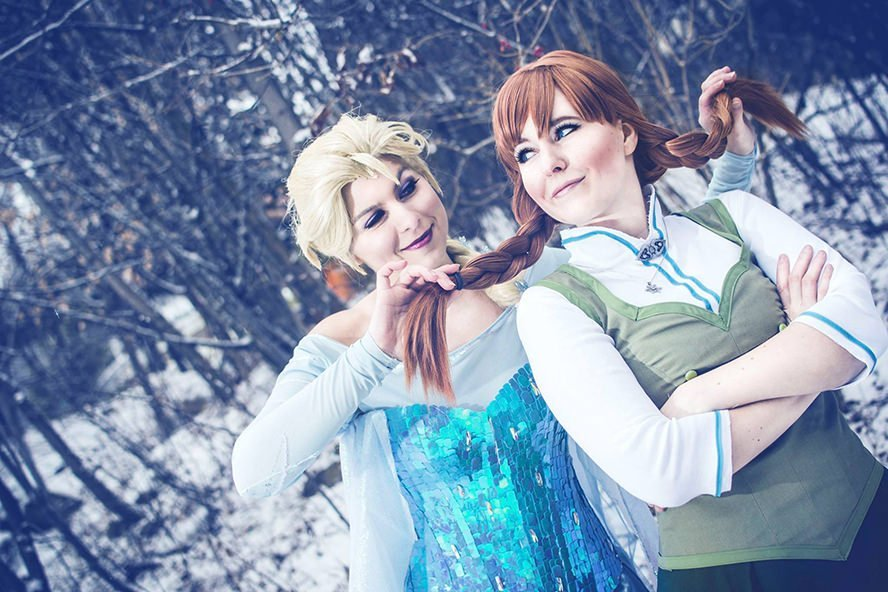 elsa-frozen-disney-cosplay-1