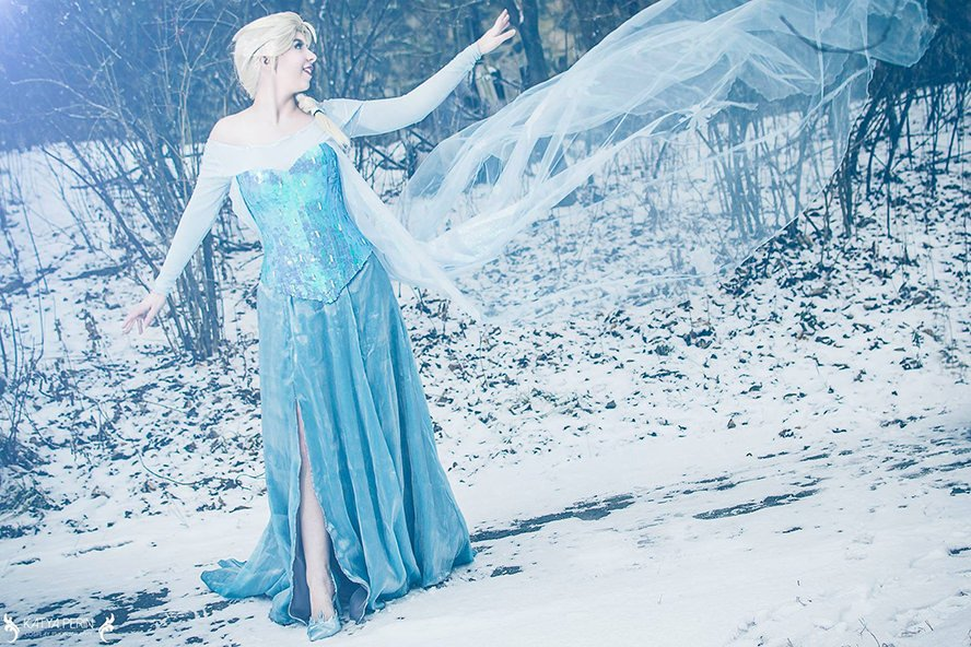 elsa-frozen-disney-cosplay-2