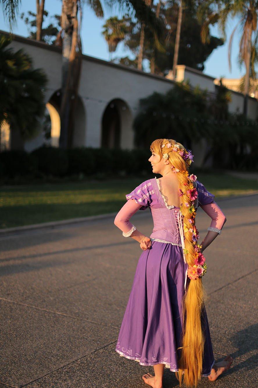 rapunzel-disney-tangled-cosplay-wig-2
