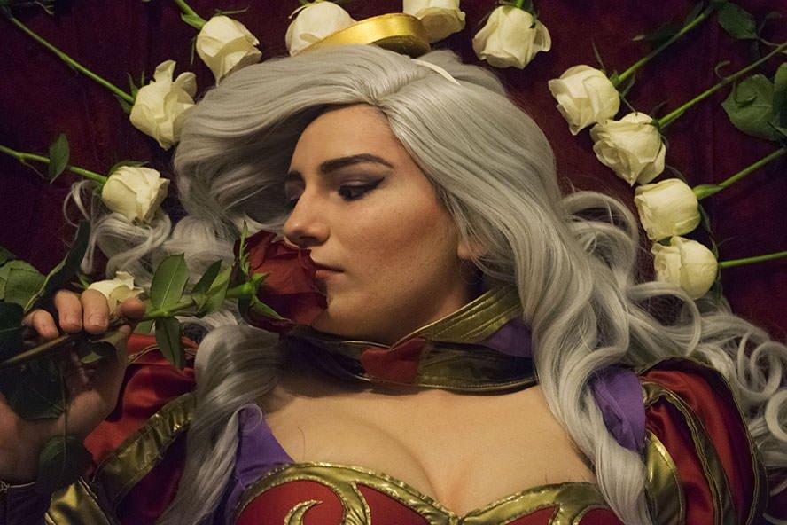 HeartSeeker-Ashe-League-of-Legends-cosplay-2