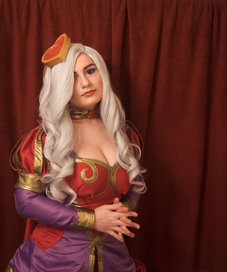 HeartSeeker-Ashe-League-of-Legends-cosplay-5
