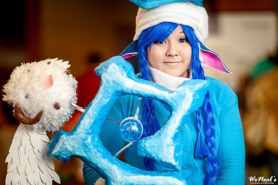 Winter-Wonder-Lulu-League-of-Legends-cosplay