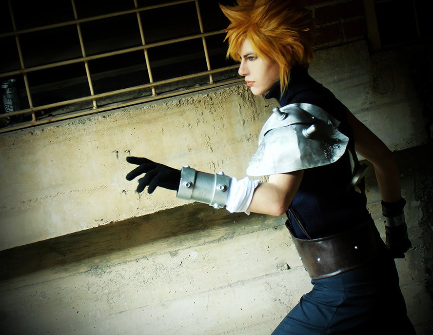 cloud-strife-final-fantasy-vii-cosplay-1