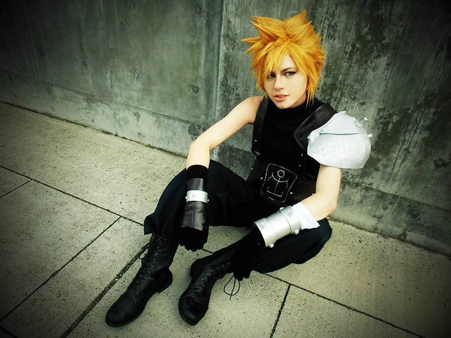 cloud-strife-final-fantasy-vii-cosplay-4