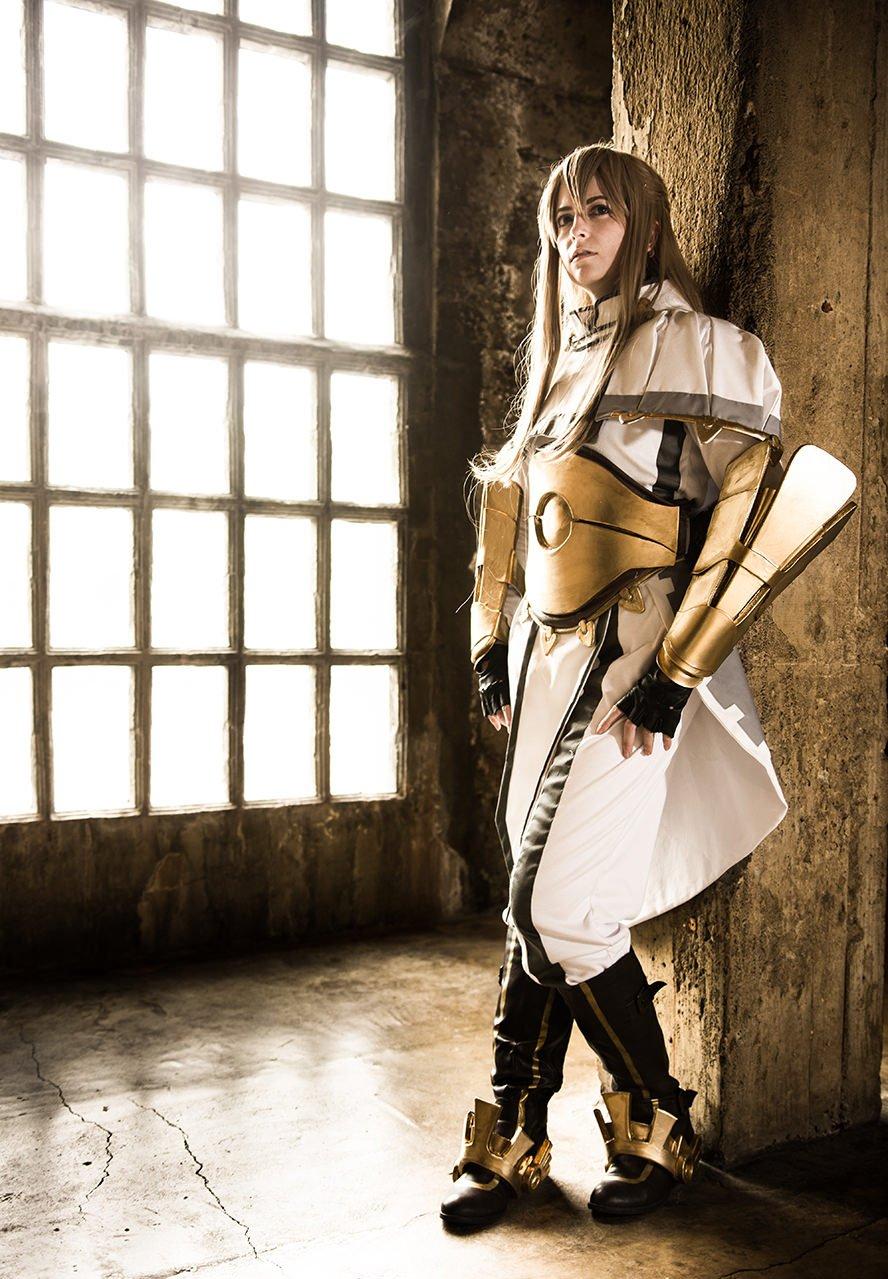 libra-fire-emblem-awakening-cosplay-2